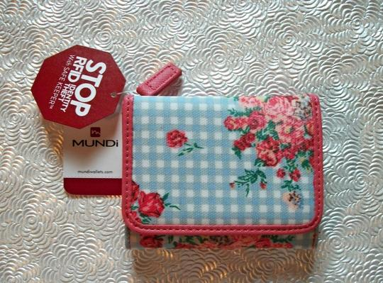 Mundi Pretty Multicolor Floral And Gingham RFID Trifold Wallet Mundi Image 4