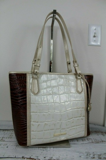 Brahmin Tote in Light Gold Image 5