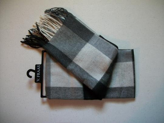 V. FRAAS Black & White, Gray Multicolor Plaid Fall Winter Fringed Flannel Scarf Image 2
