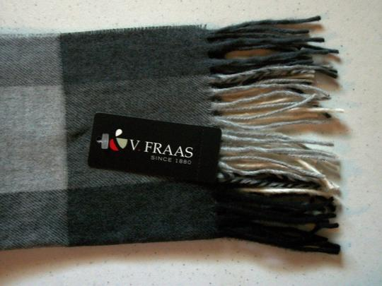 V. FRAAS Black & White, Gray Multicolor Plaid Fall Winter Fringed Flannel Scarf Image 3