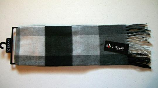 V. FRAAS Black & White, Gray Multicolor Plaid Fall Winter Fringed Flannel Scarf Image 4