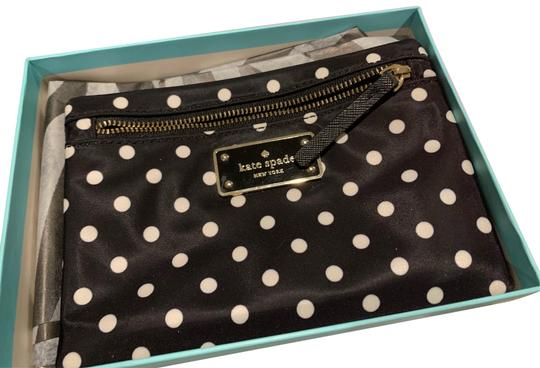 Preload https://img-static.tradesy.com/item/25834105/kate-spade-black-and-white-pouch-small-drewe-blake-avenue-diamond-dot-cosmetic-bag-0-1-540-540.jpg
