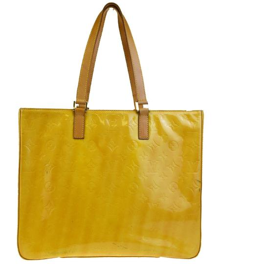 Preload https://img-static.tradesy.com/item/25834176/louis-vuitton-columbus-vernisleather-lime-yellow-monogram-vernis-patent-leather-shoulder-bag-0-0-540-540.jpg