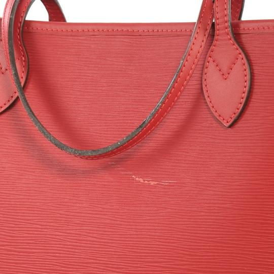 Louis Vuitton Leather Tote in red Image 7