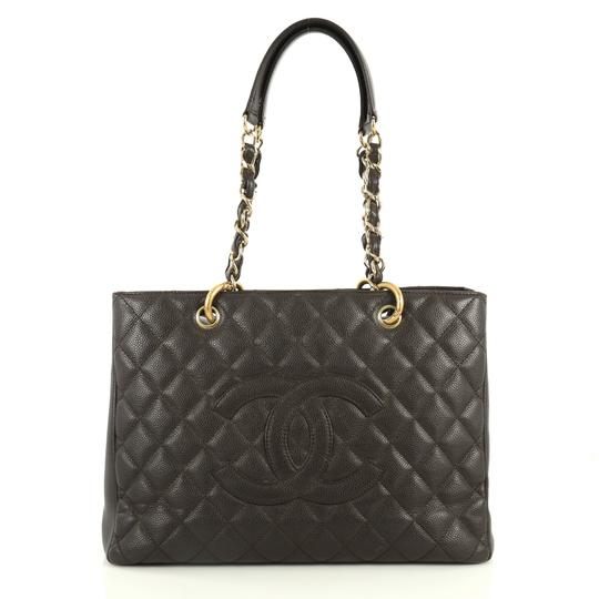 Preload https://img-static.tradesy.com/item/25834255/chanel-shopping-grand-quilted-caviar-brown-leather-tote-0-0-540-540.jpg