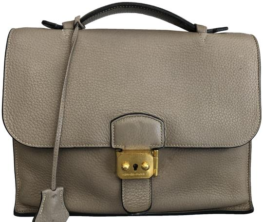 Preload https://img-static.tradesy.com/item/25834449/hermes-vintage-textured-briefcase-hand-beige-taupe-leather-satchel-0-1-540-540.jpg