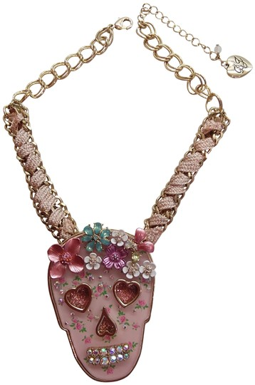 Preload https://img-static.tradesy.com/item/25834620/betsey-johnson-pink-new-skull-necklace-0-1-540-540.jpg