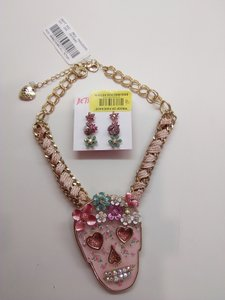 Betsey Johnson Betsey Johnson New Pink Skull Necklace & 3 Sets of Studs