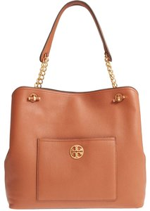 Tory Burch Leather Chelsea Tote in classic tan