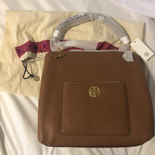 Tory Burch Leather Chelsea Tote in classic tan Image 5