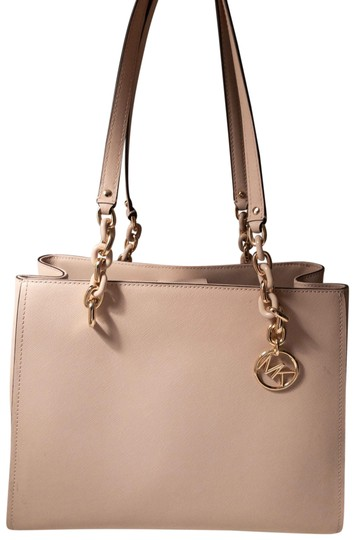 Preload https://img-static.tradesy.com/item/25834735/michael-michael-kors-sofia-large-saffiano-baby-pink-faux-leather-tote-0-1-540-540.jpg