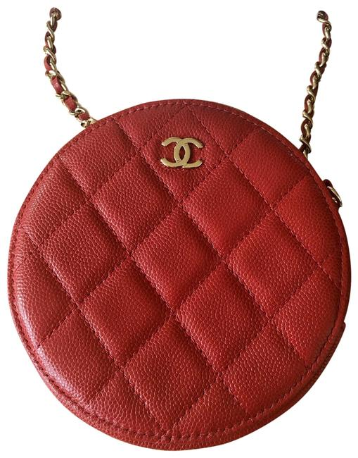 Item - Round With Light Gold Hardware Red Caviar Leather Cross Body Bag