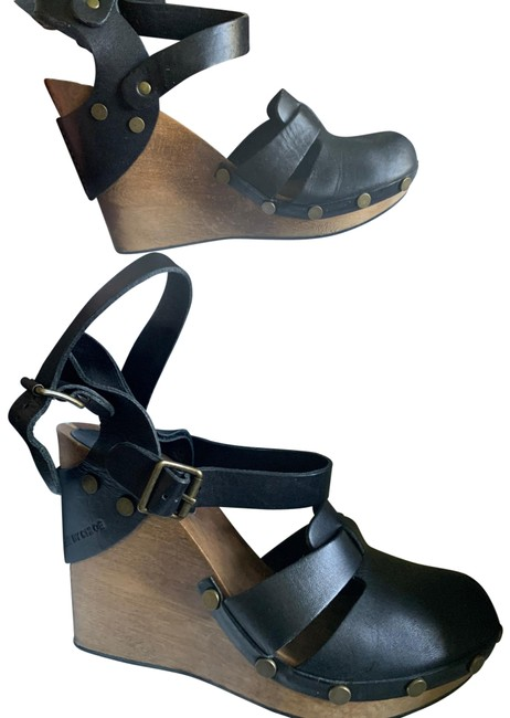Item - Nero Double Buckle Ankle Wedges Size EU 40 (Approx. US 10) Regular (M, B)