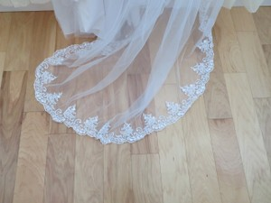Maggie Sottero White Long W Cathedral Length W/Blusher Bridal Veil