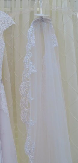 Maggie Sottero White Long W Cathedral Length W/Blusher Bridal Veil Image 2