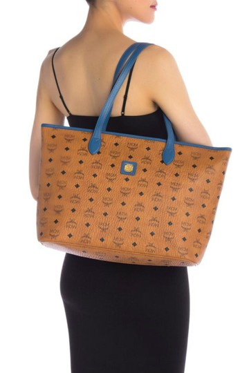 MCM Leather Logo Summer Visetos Tote in cognac blue Image 2