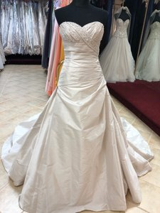 Anjolique Ivory Satin And Pearl Formal Wedding Dress Size 8 (M)