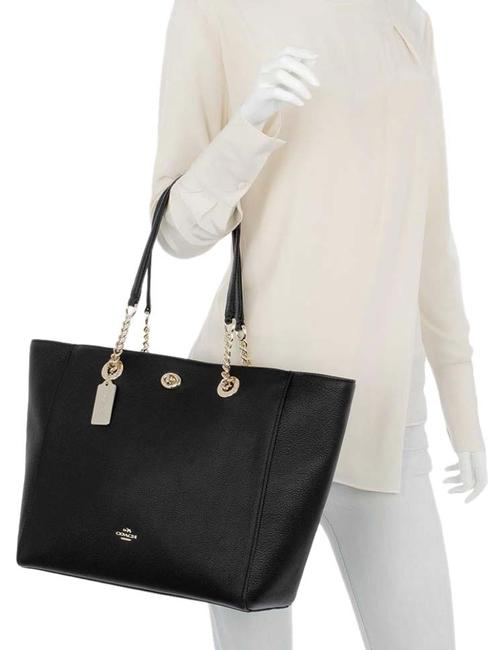 Item - Turnlock Chain Black Leather Tote
