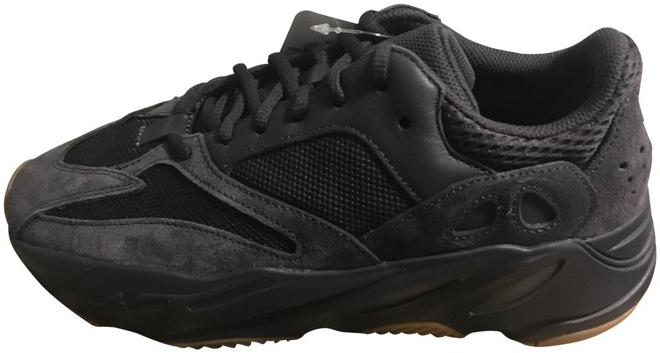 brand new df613 30240 adidas X Yeezy Utility Black Boost 700 Sneakers Size US 9 Regular (M, B)