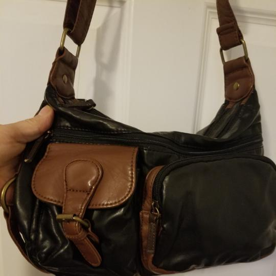 Preload https://item2.tradesy.com/images/bueno-collection-hobo-shoulderhobo-brown-and-black-shoulder-bag-25838601-0-0.jpg?width=440&height=440