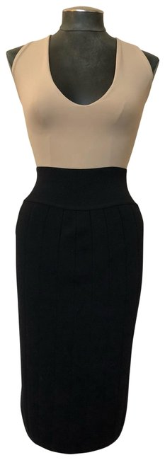 Preload https://img-static.tradesy.com/item/25838656/alaia-black-stretch-ribbed-pencil-skirt-size-8-m-29-30-0-1-650-650.jpg