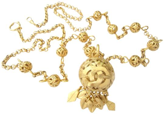 Preload https://img-static.tradesy.com/item/25838967/chanel-gold-color-chain-36-cc-logo-round-charm-dangle-pendant-long-necklace-and-belt-0-2-540-540.jpg