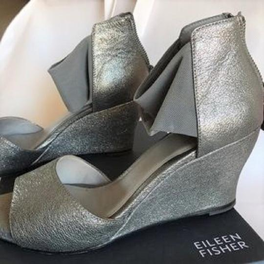 Eileen Fisher Crossover Sandal Metallic Memory Foam Pewter Wedges Image 3
