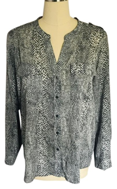 Preload https://img-static.tradesy.com/item/25839107/calvin-klein-black-white-snake-print-button-blouse-size-16-xl-plus-0x-0-1-650-650.jpg