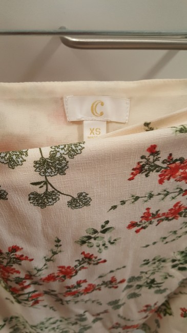Charming Charlie Top cream/red/green Image 2