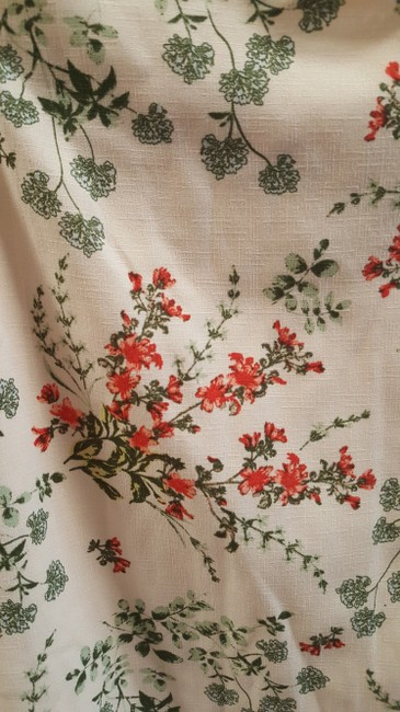Charming Charlie Top cream/red/green Image 3