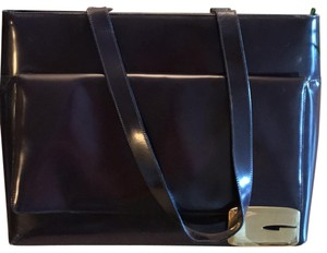 """Gucci Tote in Eggplant with gold trademark """"G"""" monogram"""