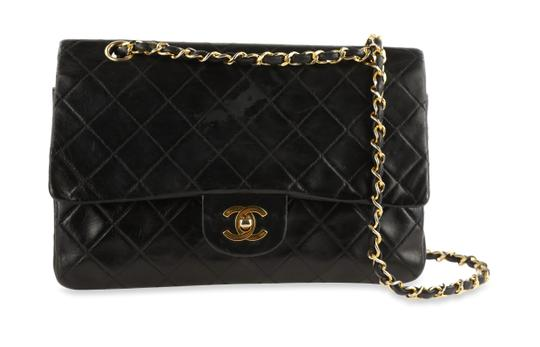 Preload https://img-static.tradesy.com/item/25839466/chanel-classic-flap-vintage-classic-small-double-black-lambskin-leather-shoulder-bag-0-2-540-540.jpg