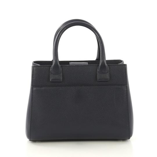 Chanel Leather Tote in blue Image 3