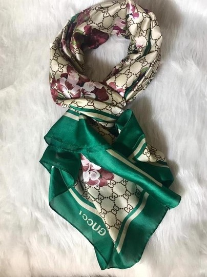 Gucci Gucci scarf Floral and GG pattern Image 1