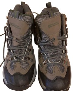 mountain wearhouse olive green Athletic