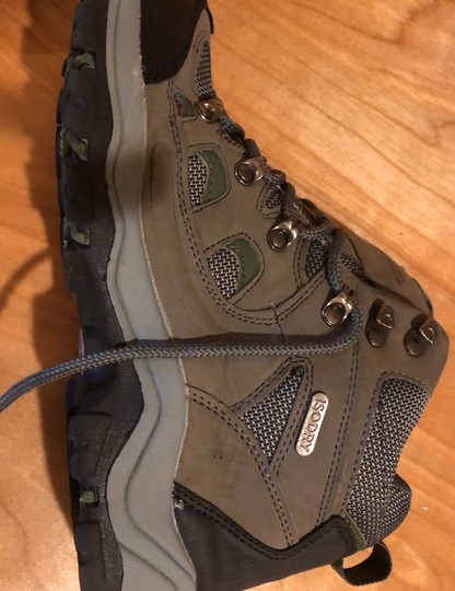 mountain wearhouse olive green Athletic Image 11
