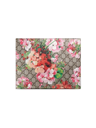 Preload https://img-static.tradesy.com/item/25845180/gucci-cosmetic-case-gg-blooms-large-clutch-0-0-540-540.jpg