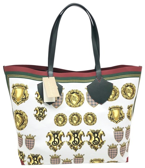 Preload https://img-static.tradesy.com/item/25845184/burberry-reversible-large-giant-printed-silk-leather-leather-cotton-tote-0-2-540-540.jpg