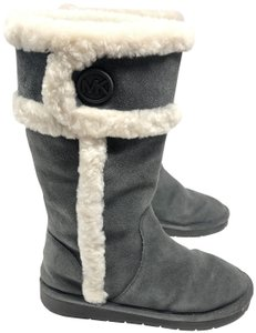 ab00755a4e9 Michael Kors Boots & Booties on Sale - Up to 70% off at Tradesy