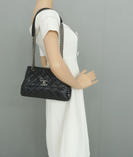 Chanel Calfskin Shoulder Bag Image 11