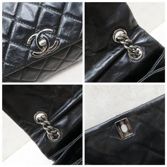Chanel Calfskin Shoulder Bag Image 8