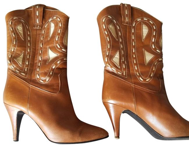 Item - Caramel and Beige Boots/Booties Size US 8 Regular (M, B)