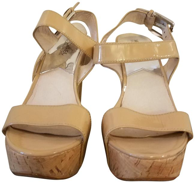 Item - Tan Patent Chunky Sandals Size US 7.5 Regular (M, B)