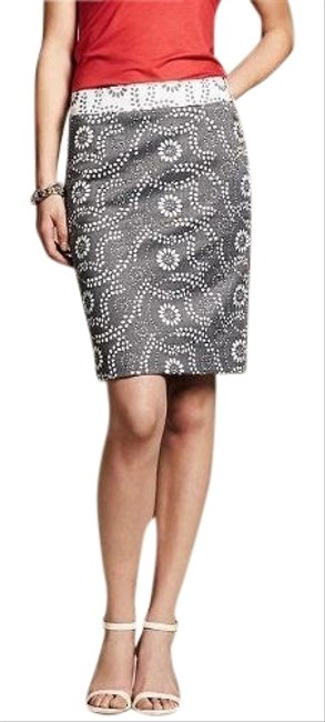 Item - Grey White Pencil Skirt Size Petite 2 (XS)