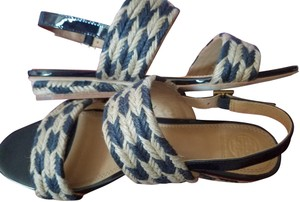 Tory Burch PERFECT NAVY/NATURAL 444 Sandals