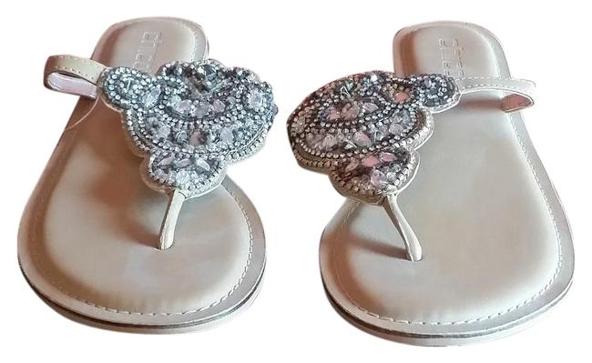 Item - Beige Nwob Faux Leather T Strap 8m with Beaded Design Sandals Size US 8 Regular (M, B)