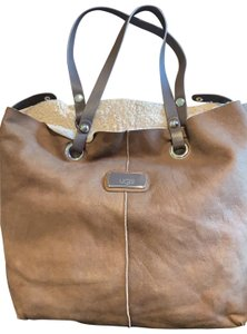 53a0793e170 UGG Australia Bags - 70% - 90% off at Tradesy