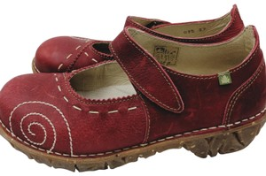 El Naturalista Leather Maryjanes Leather red Flats