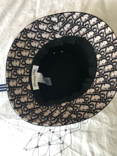 Dior Teddy D Vinyl small trim hat with veil Image 3