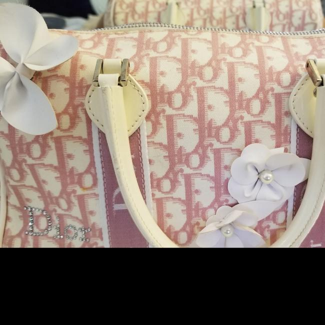 Item - Pink/Ivory Boston with White Flowers and Crystals Pink Canvas Satchel